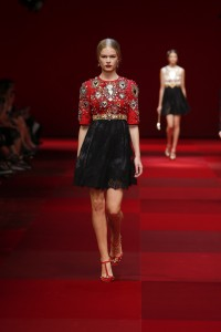 dolce-and-gabbana-summer-2015-women-fashion-show-runway-002