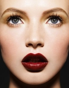 dark-red-lips-makeup-trends-1