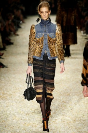 tom-ford-fall-2015-los-angeles-show-leopard-denim-jacket-h724